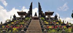 Templo de Besakih, atracción turística importante en viajes a Bali.