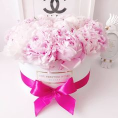 Comprar Peonias en Madrid - Floristeria Lujo de Caja de Rosas Madrid The Prestige, Madrid, Rose, Luxury, Pink, Roses