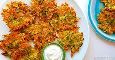 Křupavé zeleninové placičky s česnekem a jarní cibulkou