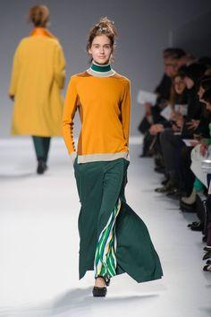 Issey Miyake Runway Review | Fashion Week Fall 2013
