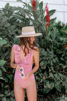 Trendy Affordable Swimsuits & Coverups For 2020 | The best swimsuit outfit ideas and swimsuit fashion for this summer #swimsuitfashion #swimsuitoutfit