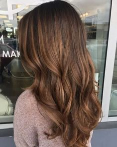 Long Wavy Ash-Brown Balayage - 20 Light Brown Hair Color Ideas for Your New Look - The Trending Hairstyle Brown Hair Tones, Golden Brown Hair Color, Chestnut Brown Hair, Brown Hair Shades, Chocolate Brown Hair Color, Brown Hair Balayage, Hair Highlights, Bronde Hair, Bayalage Light Brown Hair