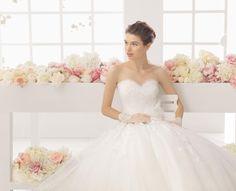 Hier findet ihr aktuelle Kollektionen vieler Hersteller - Glücksgefühl wedding & more im weddingstyle Hochzeitsblog
