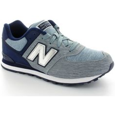 <p><strong></strong><strong>Basket New Balance KL574 YGG GRIS ET BLEU MARINE<br /></strong></p><p></p><p></p><p><strong>Dessus / Tige : Textile</strong><strong>/Cuir<br /></strong><strong>Semelle intérieure : Textile<br /></strong><strong>Semelle amovible: Non<br /></strong><strong>Semelle extérieure : Gomme</strong><strong></strong></p><p></p> - Couleur : Ballerine Bleue - Chaussures 69,90 €
