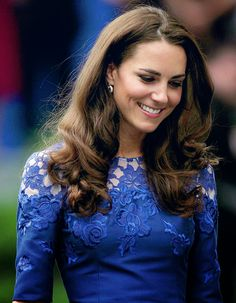 The Duchess favors hues of blues. Her best assets are her winning smile and sparkly eyes.
