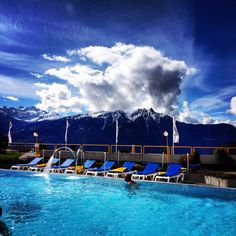 Les Bains d'Ovronnaz Places In Switzerland, Beautiful Places, Clouds, Building, Outdoor, Switzerland, Outdoors, Buildings, Outdoor Games