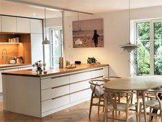 Come on in! 5 new apartment insights - Come on in! 5 new apartment insights on SoLebIch Interior Garden, House Windows, Cuisines Design, Apartment Kitchen, Küchen Design, Home Furnishings, Kitchen Remodel, Home Furniture, Kitchen Decor