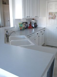 Easy directions on painting an ugly kitchen countertop a single color