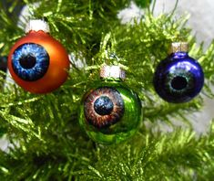 These Mini Eyeball Ornaments See You When You're Sleeping #christmas #ornaments trendhunter.com