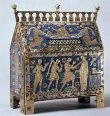 The reliquary used to transport Beckett's remains