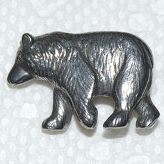 REALISTIC BEAR BIG GRIZZLY PEWTER BUTTON DANFORTH PEWTERERS MAIDEN VERMONT