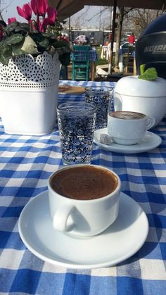 "See 1252 photos and 116 tips from 8464 visitors to Karaköy Kahvesi. ""No tourists around (March) and a simple menu of Tea (assorted tastes), Coffee,. Coffee And Books, Coffee Set, Coffee Love, Coffee Gifts, Cool Girl Pictures, Food Pictures, Snap Food, Coffee Cookies, Food Snapchat"