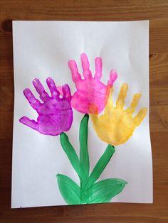 Handprint Flower Craft - Spring Craft - Preschool Craft