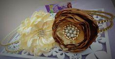 Tiaras Arco duplo com strass e flores em cetim www.facebook.com/mfmuzambinho