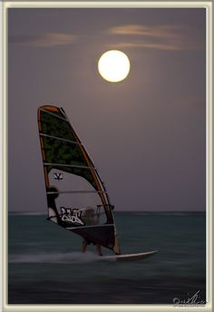 Full moon Wind surfing i-am