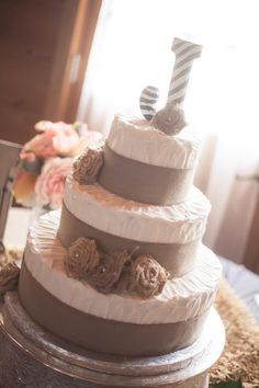 Burlap wraps the base of each tier with added burlap bows to make this wedd Wedding Cake Rustic, Our Wedding, Wedding Cakes, Dream Wedding, Wedding Ideas, Pretty Cakes, Cute Cakes, Merangue Cake, Fall Wedding Decorations