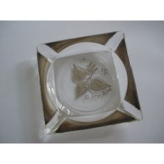 Georges Briard Ashtray Trinket Dish Leaf Design Vintage ($5.95) ❤ liked on Polyvore featuring home, home decor, vintage home accessories, vintage ash tray, glass plates, georges briard and leaf plates