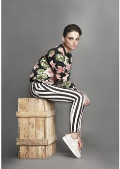 PRETTY TOM BOY* FLOWER POWER STRONG BLACK and  WHITE STRIPES STYLING < 3