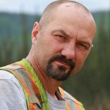 How Much Is Dave Turin Worth? Originating from Sandy Oregon, Dave Turin spent the last 24 years of his life managing a rock quarry business. Civil Engineering Degree, 24 Years, Handsome Man, Turin, Net Worth, Reality Tv, Oregon, Tv Shows, Rock