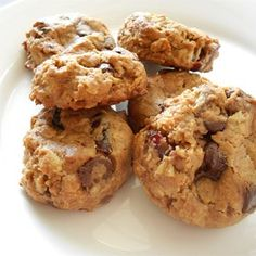 Whole Grain Breakfast Cookies-easy to substitute, love it with crushed pineapple, coconut, & dried cherries! Breakfast On The Go, Make Ahead Breakfast, Eat Breakfast, Power Breakfast, Breakfast Bites, Breakfast Cookie Recipe, Cookie Recipes, Brunch Recipes, Breakfast Recipes