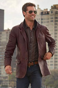 2dc88ca67fc Montreaux Moroccan Lambskin Leather Blazer at Amazon Men s Clothing store   Leather Outerwear Jackets by E9