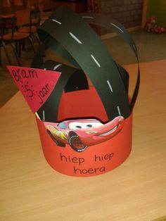 Crazy Hair Days, Crafts For Kids, Diy Crafts, Crazy Hats, Kids Cards, Birthday Hats, Birthday Crowns, School, Creative
