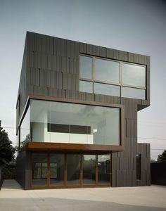 Private Residence in Los Angeles CA Studio 0.10 Architects Custom VMZ Interlocking panel using ANTHRA-ZINC: