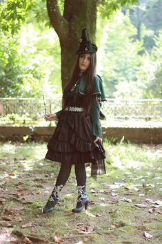 ✨  Sara Riverose さん ✨ https://aliceholic.com/posts/9437  View more 『 My favorite green item』✨ https://aliceholic.com/tags/my-favorite-green-item  The image is posted with approval of the author
