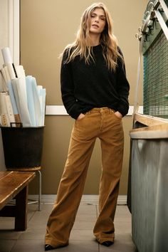 Dondup Pre-Fall 2019 Collection - Vogue Source by mintrockco fashion trends Fashion Night, Look Fashion, Winter Fashion, Fashion Outfits, Womens Fashion, Fashion Design, Fashion Trends, Fashion 2018, Ladies Fashion
