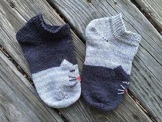 Ravelry: YinYang Kitty Ankle Socks pattern by Inorgaknit Easy Crochet Socks, Crochet Socks Pattern, Knit Crochet, Crochet Patterns For Beginners, Knitting Patterns Free, Knitting Stitches, Knitting Socks, Crochet Cupcake, Linen Stitch