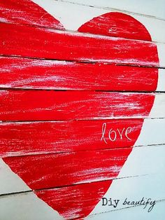 """""""The most charming little pallet signs made from wood furniture shims."""" A Mini Pallet Valentine Sign by DIY Beautify"""