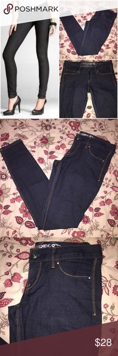 "EUC | EXPRESS | Dark Blue Stretch Skinny Jeans 🌼Dark blue ""Zelda"" ultra skinny low rise jeans                                                                                          🌼Very comfortable, soft material w/ some stretch                                    🌼Excellent used condition, Only worn a 1-2 times                                            Questions? Just ask!  BUNDLE & SAVE: 15% OFF 2+ ITEMS! Express Jeans Skinny"