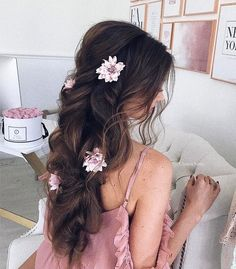 Looking for best wedding hairstyles? Get inspired by wedding hairstyle ideas from Ulyana Aster. Add Ulyana Aster hair accessories for the perfect look. Wedding Hairstyles For Long Hair, Pretty Hairstyles, Sweet Hairstyles, Cute Hairstyles For Medium Hair, Wedding Hair Inspiration, Glamour, Headband Hairstyles, Bridal Hairstyles, Prom Hair