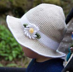virka solhatt baby mössa blomma prästkrage mönster kräftgång