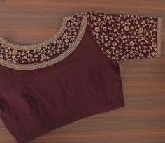 Bright vibrant and attractive the creeper design on this blouse is done exquisitely. Best Blouse Designs, Simple Blouse Designs, Stylish Blouse Design, Bridal Blouse Designs, Blouse Neck Designs, Designer Blouse Patterns, Work Blouse, Sari, Lehenga Blouse