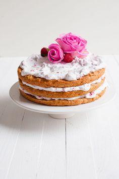 V APPLE RASPBERRY LAYER CAKE