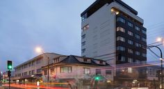Apart Hotel Presidente Suites Puerto Montt Puerto Montt This 4-star apart hotel is situated in Puerto Montt's centre 100 metres from the beach.  It offers a heated indoor pool with Pacific Ocean views.  WiFi access in public areas and parking are free.