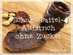 Dattel-Schokoaufstrich ohne Zucker A vegan chocolate spread (date spread) can be made with our recipe quickly and easily from almonds, cocoa, coconut oil and dates itself Baby Food Recipes 6 9, Healthy Cookie Recipes, Healthy Cookies, Gourmet Recipes, Healthy Food, Chocolate Spread, Sugar Free Chocolate, Vegan Chocolate, Baby Food By Age