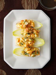 マヨネーズなしなのにコクも旨みも充分、やわらかな風味でおいしい。アンディーブやバゲット、クラッカーにのせてどうぞ。 『ELLE a table』はおしゃれで簡単なレシピが満載!