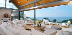 Die Villa Chan Grajang befindet sich auf dem Surin Beach, an der westlichen Küste von Phuket. Sie ist projektiert für ein Leben im Luxus. Das Gebäude besteht aus zwei Villen und breitet sich auf 4071 Quadratmeter mit Aussicht auf Nordwesten. Das Design ist gegenwärtig mit Innenausstattung von Angela Hall und Gegenständen aus Bali, China, USA und Thailand. Jede Villa verfügt über ein eigenes Schwimmbad. Die erste hat vier doppelte Schlafzimmer, die zweite dagegen hat zwei.