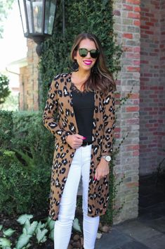 Shop Jess Lea Boutique Charlie Leopard Long Cardigan #jesslea #jessleaboutique #jessleastyle #casualstyle #momstyle #casualoutfit #easyoutfit #ootd #boutique #boutiquestyle #leopardcardigan #leopardprint #fallstyle2020 #fall2020lookbook