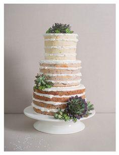 Hochzeitstorte, Semi Naked Cake, mit Sukkulenten #NakedCake #Hochzeit