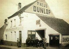 PNEUS DUNLOP & BANDA?? Garage Gilles (a l'angle de l'avenue des Combattants et de la rue A. Lannoye en 1930 a Rixensart -Belgique)