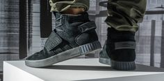 adidas Tubular Invader Strap Triple Black | Sole Collector