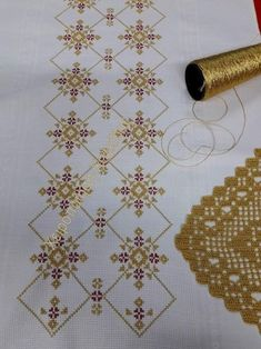 Hardanger Embroidery, Embroidery Stitches, Cross Stitch Designs, Cross Stitch Patterns, Hand Embroidery Design Patterns, Embroidery On Kurtis, Cross Stitch Flowers, Cross Stitching, Blackwork
