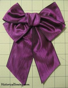Ribbon Bow with Streamers | HistoricalSewing.com Good tutorial on making ribbon bows for victorian dresses.