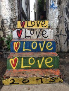 Referência de cor e textura - Graffite escada - Vila Madalena
