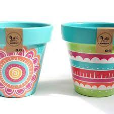 Imagen relacionada Painted Clay Pots, Painted Flower Pots, Hand Painted, Clay Pot Projects, Clay Pot Crafts, Clay Flower Pots, Flower Pot Crafts, Ceramic Pots, Terracotta Pots