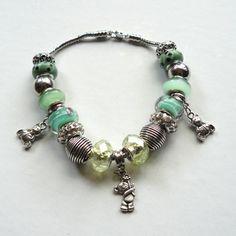 © Créactivités    Ours Jade    Perles : http://www.creactivites.com/172-bijoux-style-pandora?n=100_category=172