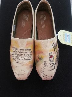 Vintage Winnie the Pooh and Piglet Custom Hand Painted Wedding Shoes - Canvas shoes - Schuhe Vintage Winnie The Pooh, Winnie The Pooh Friends, Disney Winnie The Pooh, Painted Canvas Shoes, Hand Painted Shoes, Fall Wedding Shoes, Bridal Shoes, Casual Wedding, Trendy Wedding